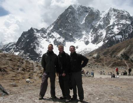 We reach the top of Dugla hill with a nice view of Tobhuche in the background.